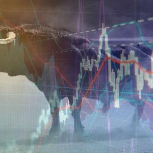 Bullish Weekend: Crypto Market Cap Gains $4 Billion, Bitcoin Awaiting Next Move