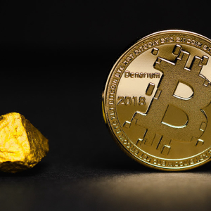 Bitcoin's correlation with gold is critical as fears of a stock market collapse grow