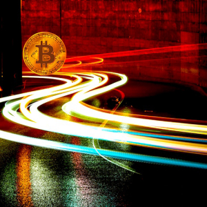 Crypto Analysts React As Bitcoin (BTC) Falls Below $10,000