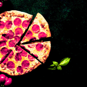 Crypto Pizza Tweet Goes Viral – And It's Not About Bitcoin (BTC)