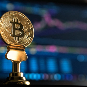 Bitcoin Bursts Past $10,000 (Again): Will Bulls Keep Up?