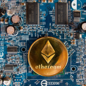 Ethereum's (ETH) Miner Revenue From Fees Surpasses Bitcoin's