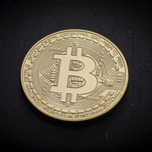 Analyst: Bitcoin (BTC) Holding Above $10,800 May Set Stage for Boom