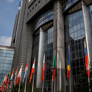 EU Report Says that Central Banks Are Likely Safe from Cryptocurrency