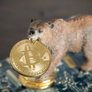 Bitcoin Bears Back as Sentiment Wanes, Will BTC Drop to $6,000?