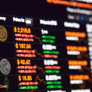 Financial Advisor: Major Banks are 3,233% More Expensive Than Bitcoin