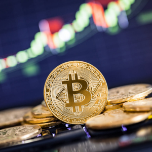 Bitcoin Visits Critical Long-Term Trendline; Break Below Could Lead to Massive Losses