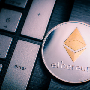 Analysts Anticipate Ethereum to Drop Towards $170 as Crypto Markets Falter