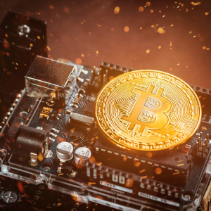 Analyst: Bottomed Bitcoin Will Rally To $8,000, Not Collapse To $3,000