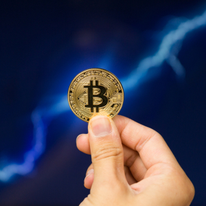 Analyst: Bitcoin (BTC) Reaching 5,500 is a Strong Likelihood, But Possibility of Drop to 3,000 Remains