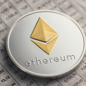 Ethereum Trapped Beneath Multi-Year Resistance as Analysts Target Further Losses