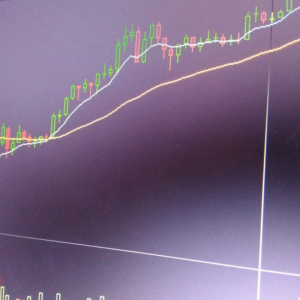 Bitcoin May Soon Test 2019 Trend Line Below $9k, Claims Prominent Analyst