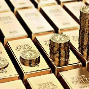 "Despite Bitcoin ""Gold 2.0"" Narrative, Long-Term Correlation With Gold Remains Loose"