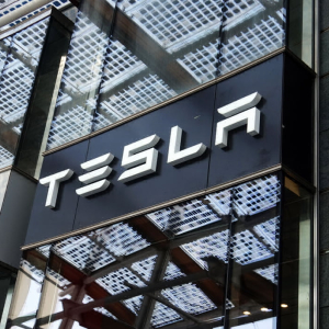 Stimulus Money Invested in Bitcoin Yields Half of Tesla's Gains