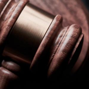XRP Risks Plunge as New Lawsuit, Massive Sell-off Hurt Market Sentiment
