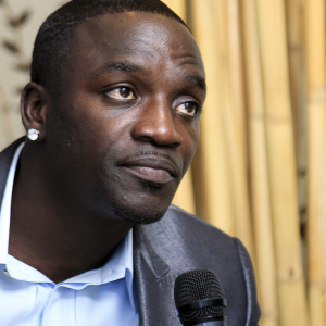 Hiphop Icon Akon Defends Bitcoin against FUD