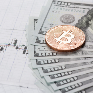 Analysts Expect Bitcoin to Drop Towards $7,300 After Failing to Stabilize Above $8,000