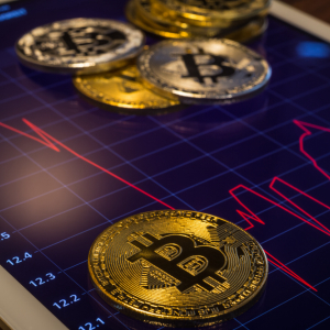 Analyst: Bitcoin's Price Must Break 200-Day Moving Average for Rally to Continue