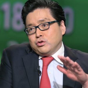 Tom Lee on the main hurdles preventing institutional investors from getting into bitcoin