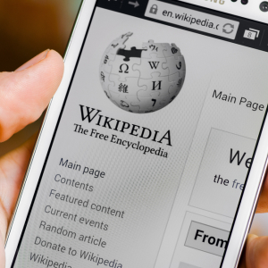 """Bitcoin's Wikipedia Page Has """"Misleading"""" Block Explorer Removed, Heated Debate Ensues"""