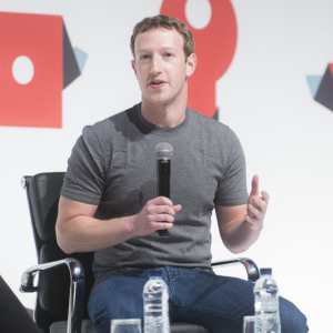 Zuckerberg Talks Blockchain Potential, Calls Facebook an Innovator in Privacy
